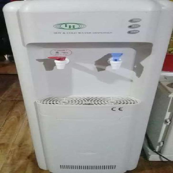 Dispenser agua fría/caliente marca lh