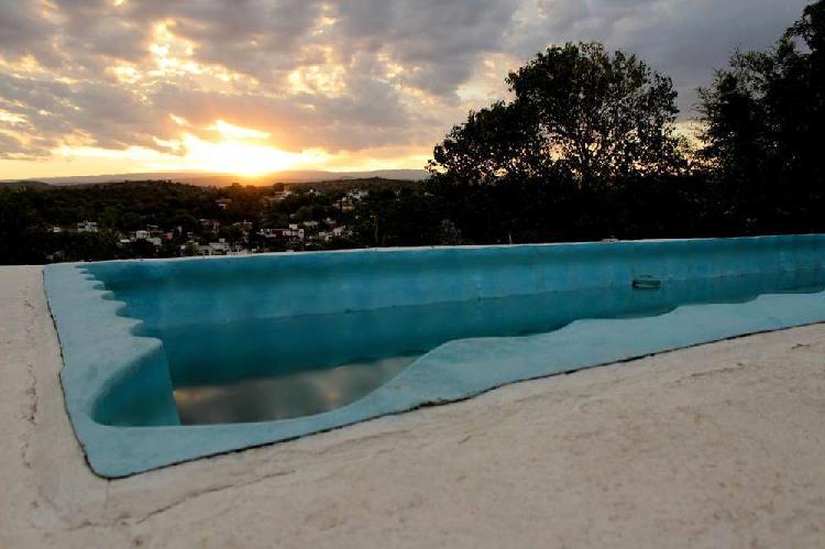 """En villa carlos paz esta """"el olimpo"""": casa 3d. con piscina"""