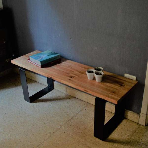 Mesa ratona en metal y madera
