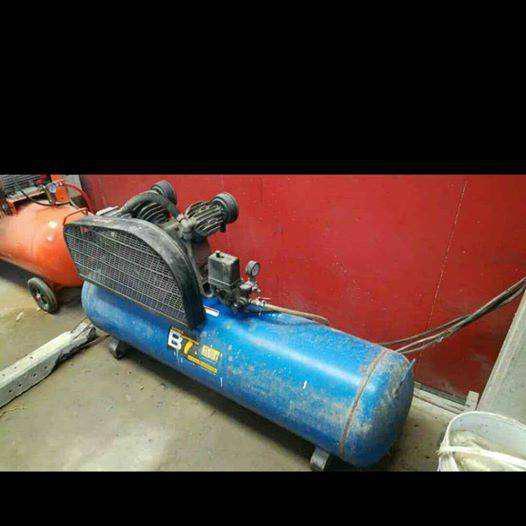 Vendo compresor trifasico 3hp 150lts y banco para chapista