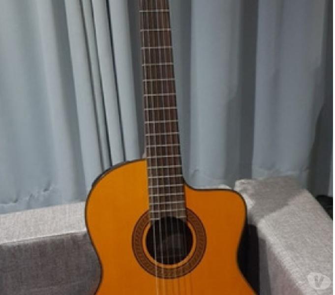 Guitarra electroacústica nylon takamine eg124c