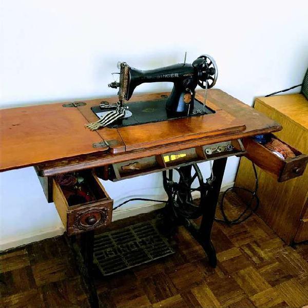 Maquina singer de coser antigua original con mesa y pie