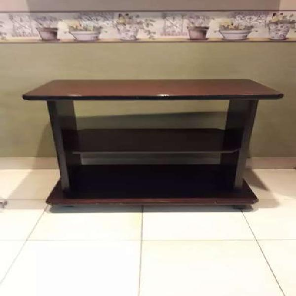 Mesa de madera pata tv