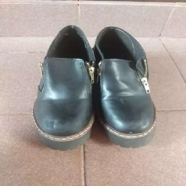 Zapato número 35. $150