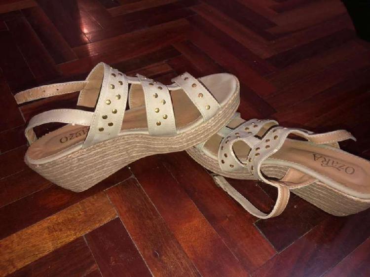 Zapatos de taco chino talle 37