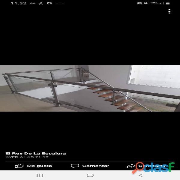 Escaleras de interior y exterior