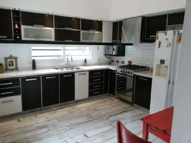 Venta casa 4 amb 150 m2 cochera terraza valentin alsina