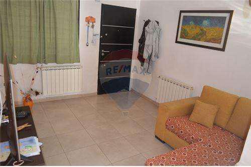 Venta duplex 2 dormitorios 95 m2 - cayasta 50