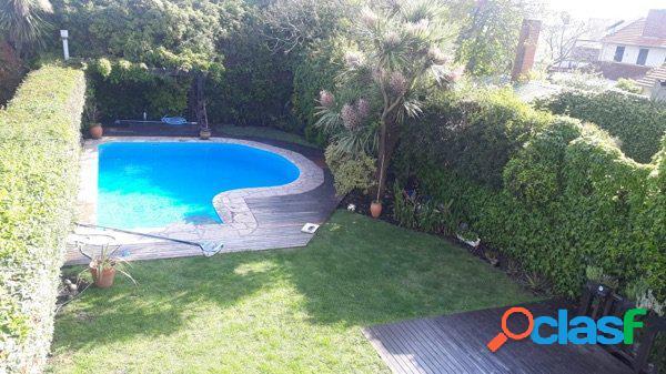 chalet categoria Los Troncos - 4Amb., pl room, parque y piscina 2