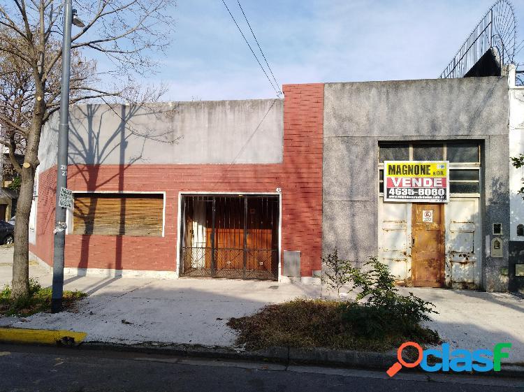 Casa lote propio-esquina-3 amb.patio-terraza-garage-galpon independ.