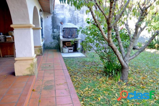 Excepcional casa de estilo colonial en La Florida 3