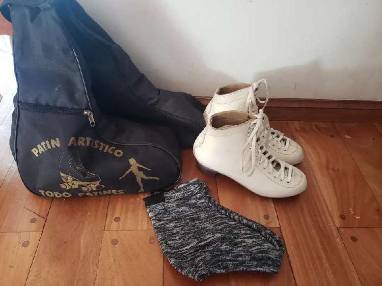 Botas patin artístico 37 con bolso y cubrebotas