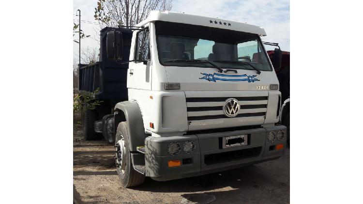 Camión volskwagen 13-180 modelo 2007