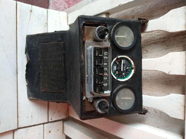 Partes de carrocería y motor r6 1983