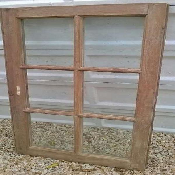 Ventana de madera vidrio repartido.