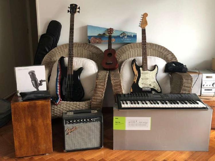 Lote de instrumentos (bajo, guitarra, amplificador,