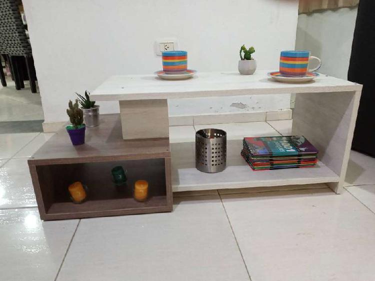 Mesa ratona estilo moderna