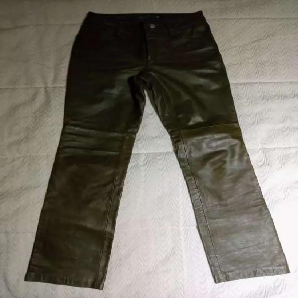 Pantalón gap de cuero