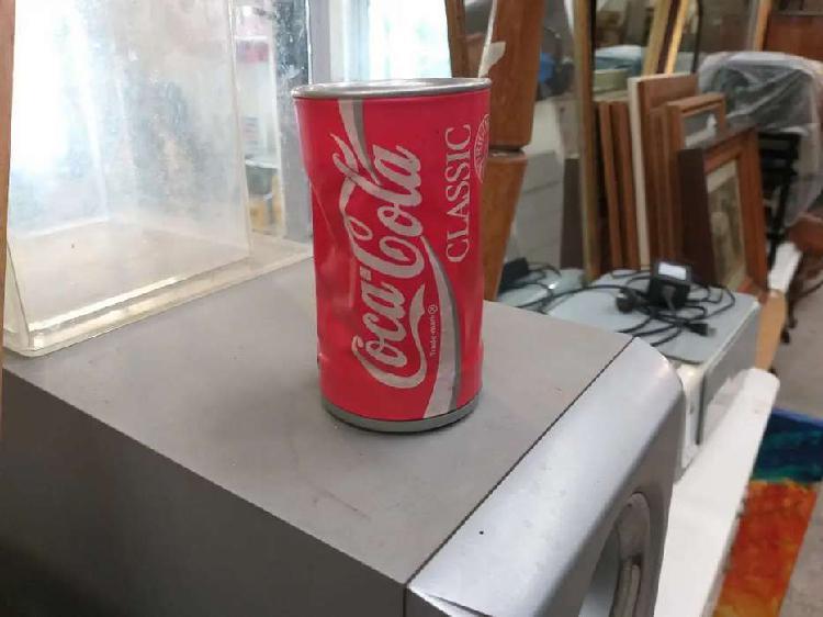 Lata coca cola con movimiento a pilas coleccionable escucha