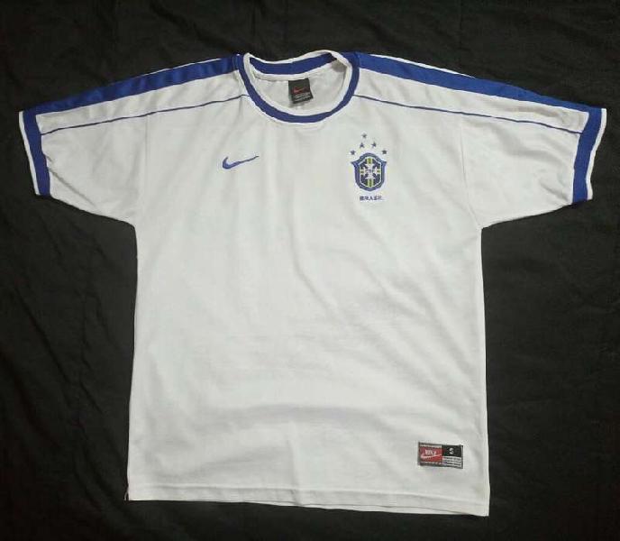 Permuto camiseta brasil 1998 nike por ropa de newell's