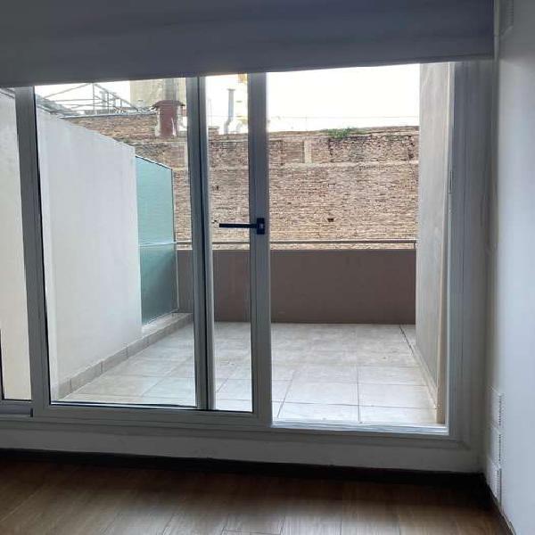 Venta de departamento de 1 dormitorio paraguay 2223. con