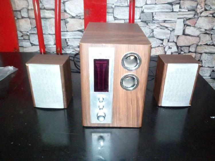 Parlantes feather 2.1 subwoofer madera pc