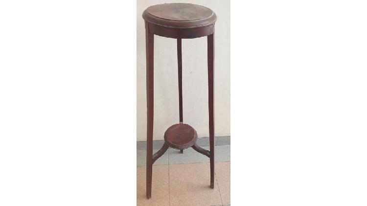 Mesa de 3 patas antigua estilo art. deco.