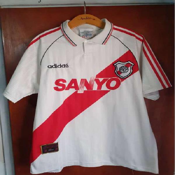Camiseta river 1995 sanyo