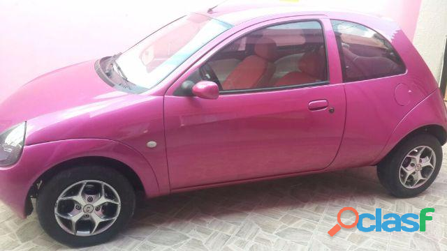 Ford Ka 1.3 color rosa