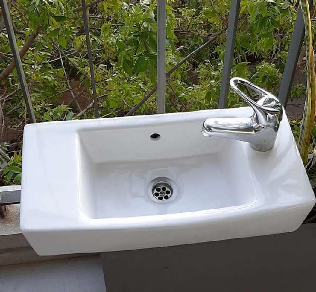 Bacha lavatorio baño roca con grifería sopapa y flexible