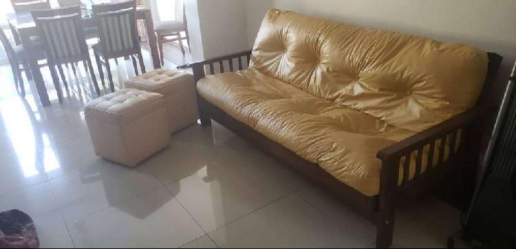 Increíble futón más 2 puffs cubo