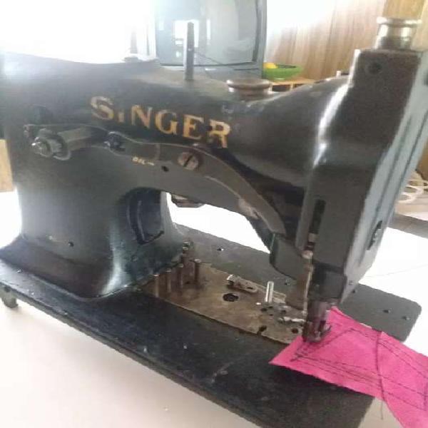 Maquína de coser singer triple arrastre industrial para