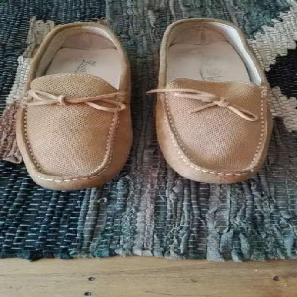 Zapatos nuevos de hombre