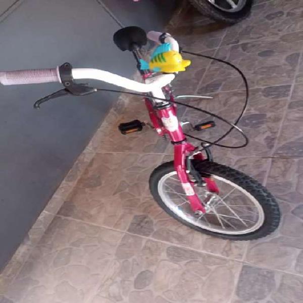 Se vende bicicleta de niños !!!