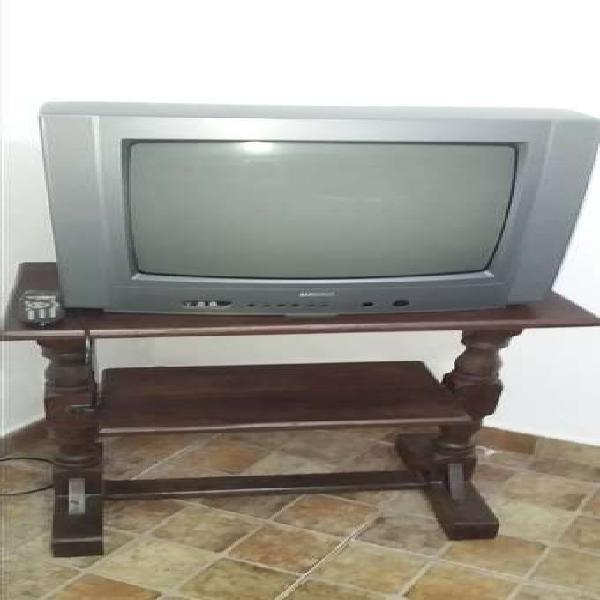 """Tv admiral 21"""" + mesa de algarrobo"""