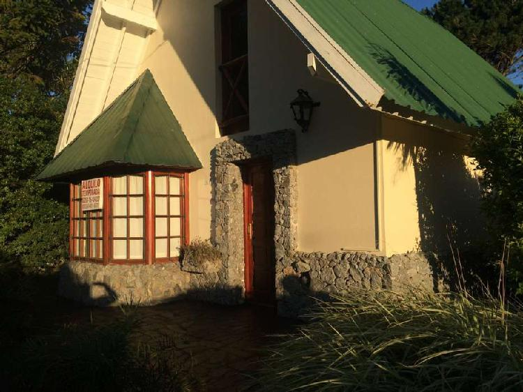 Villa gesell - venta confortable propiedad 5 ambientes con