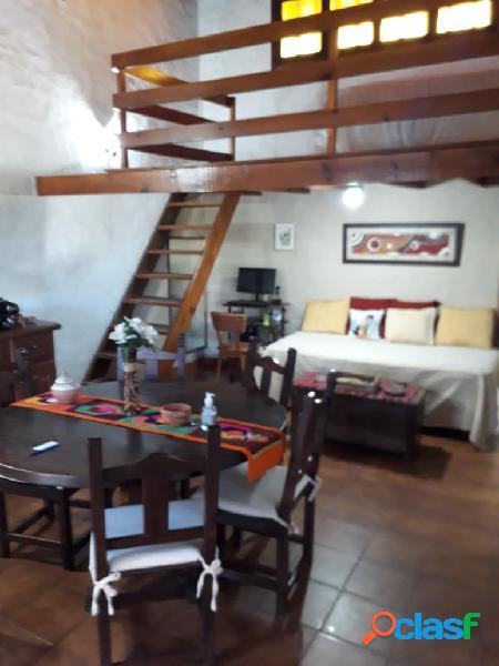 Casa 3 ambientes con departamento independiente zona las américas