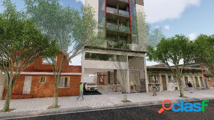 Roca 170.departamento un dormitorio con balcon,de calidad en construccion.calefaccion central.
