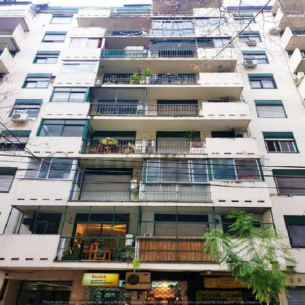Monoambiente con balcon terraza