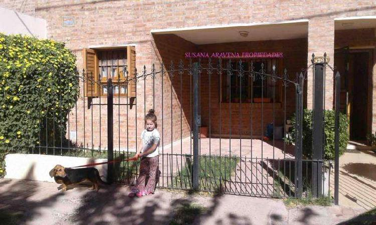 Susana aravena propiedades ds, vende dúplex centro neuquén