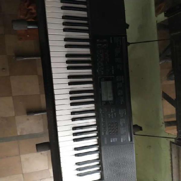 Teclado casio ctk-3200 (5 octavas) con pie y transformador.