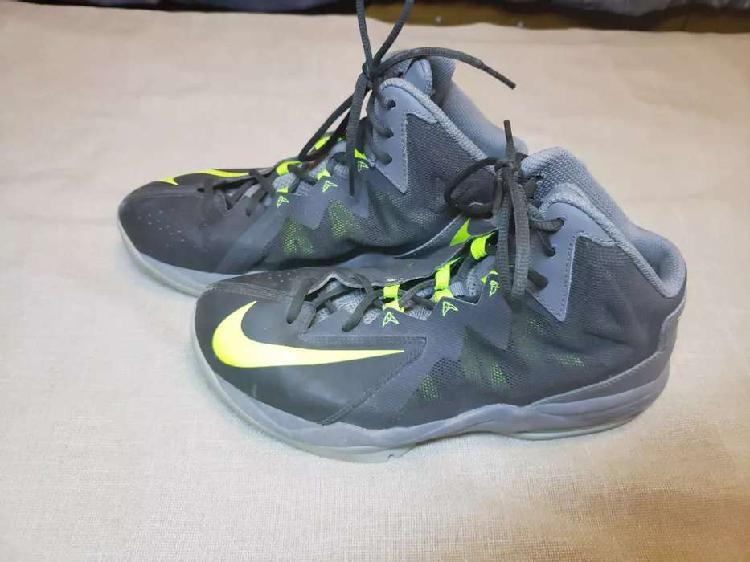 Vendo zapatillas caña alta