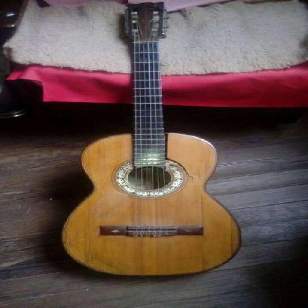 Guitarra antigua casa nuñez, años 30