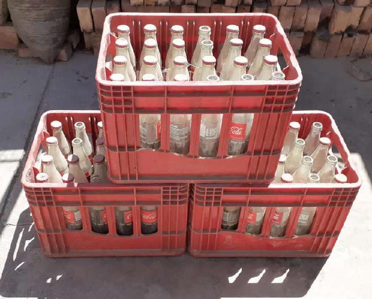 Vendo cajón con envases