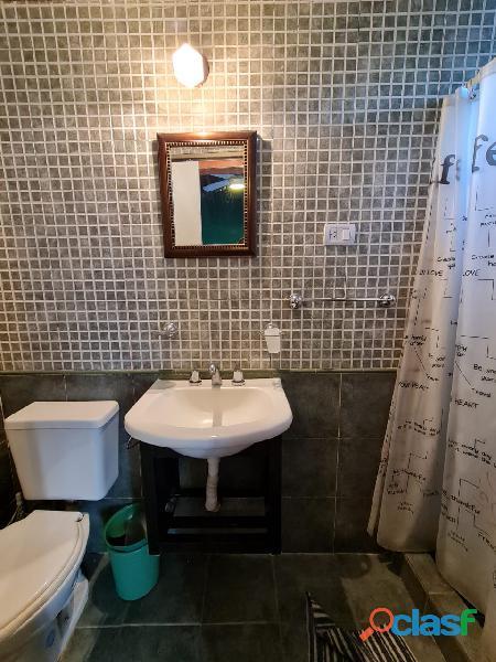 Hostel alquila habitaciones con baño privado $11000 por mes