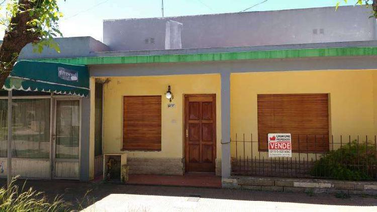 Casa en venta, calle san martín e/ arias y moreno, gral las