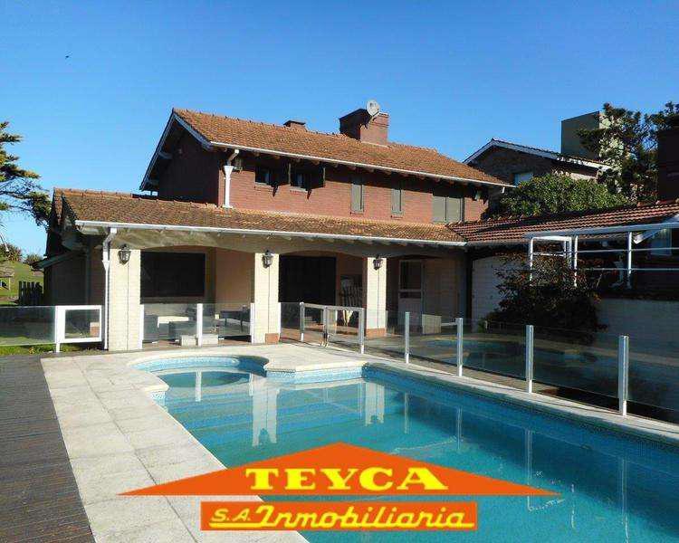 Imperdible chalet con piscina para pasar tus vacaciones!