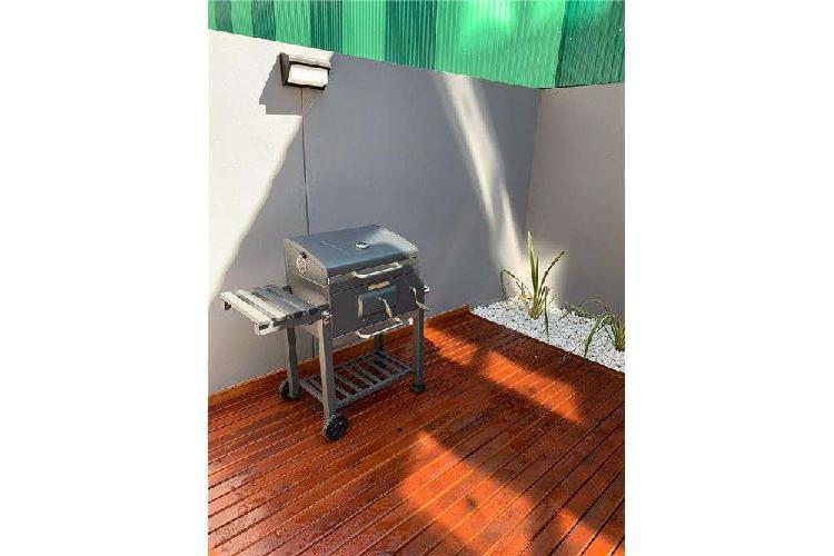 Loft a estrenar con patio - deck / parrillero
