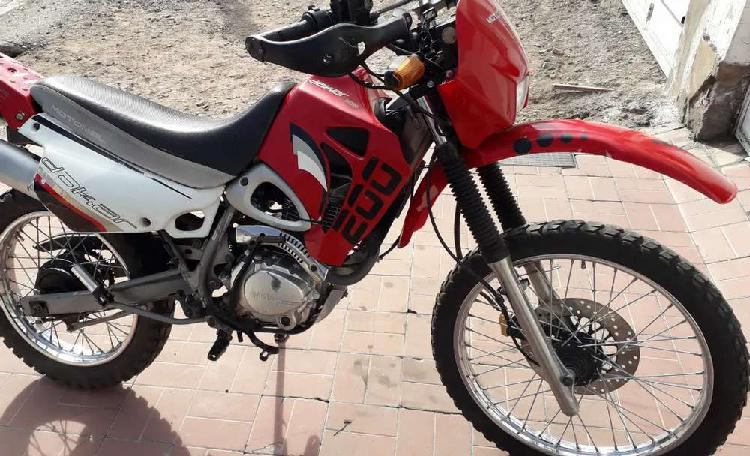 Motomel dakar 200cc enduro calle