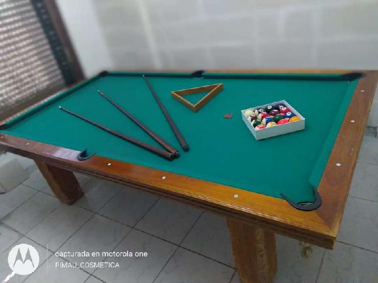 Mesa de pool con detalles tiene todo
